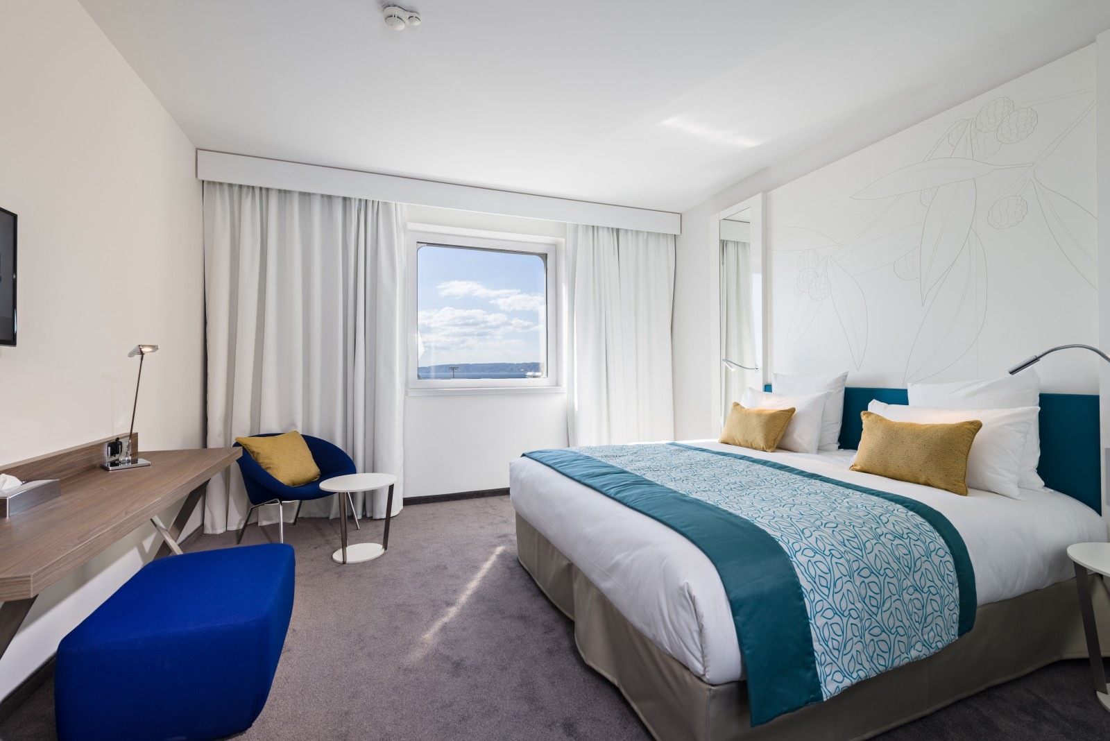 Golden tulip marseille euromed l h tel 4 toiles for Hotels 4 etoiles marseille